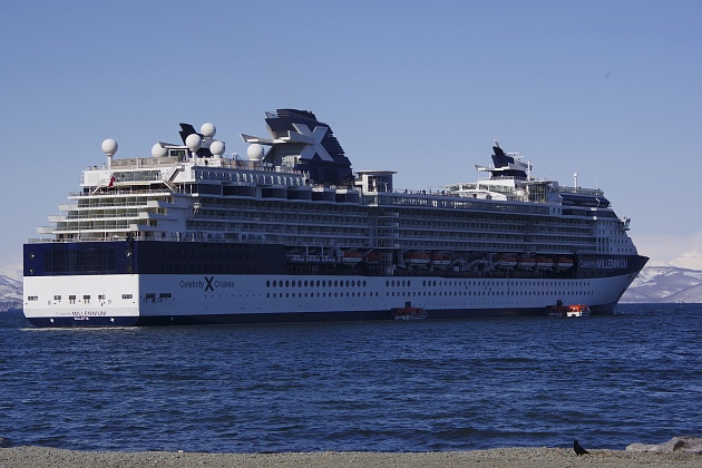 "Liner ""Celebrity Millennium"" opened a cruise season in Kamchatka"