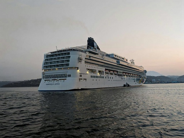 "Cruise liner ""NORWEGIAN JEWEL"" first visited the port of Petropavlovsk-Kamchatsky"
